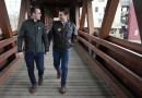 Pete Buttigieg y su esposo Chasten ahora son padres