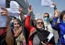 Mujeres protestan en Kabul, la capital afgana controlada por los talibanes