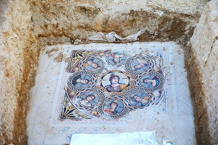 ancient-greek-mosaic-excavation-zeugma-3