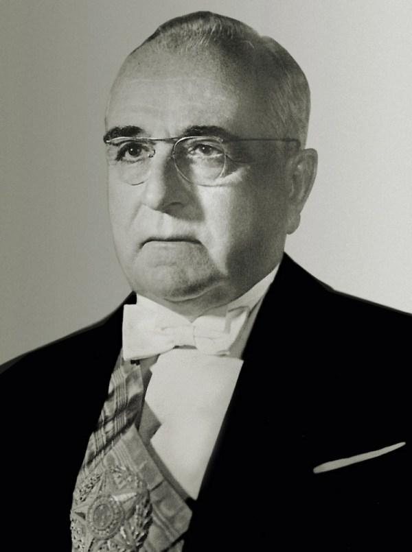 17_-_Getúlio_Dorneles_Vargas_1951_derivative