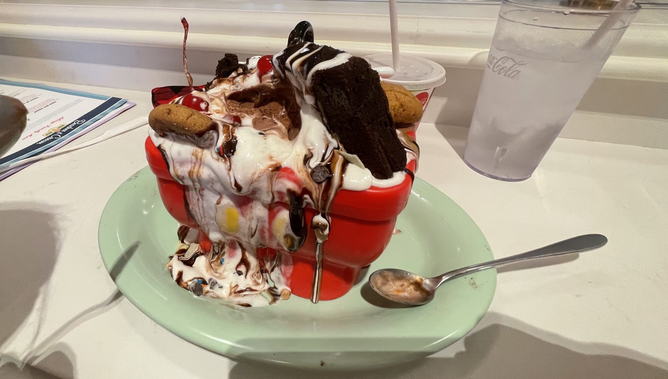 3 Minute Dining Review: Beaches & Cream Soda Shop at Disney's Beach Club Resort (Allergy Friendly)