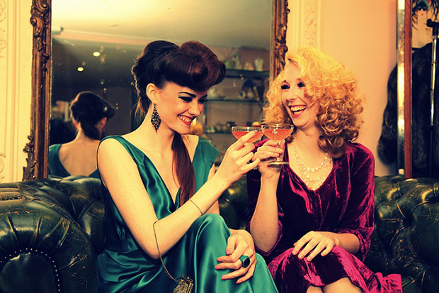 vintage-cocktail-hen-party