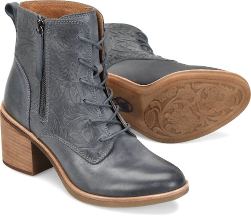 3316ef64ae459 These are the latest booties I ve acquired  I love the deep blue color.