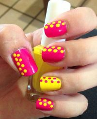 50+ Stylish Polka Dots Nail Art Designs
