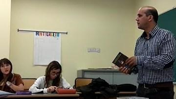 """Conferencia de Ali Salem Iselmu en La Universidad del País Vasco bajo el título """"Encontrándonos con el Exilio en Álava"""" — Generación de la Amistad saharaui"""