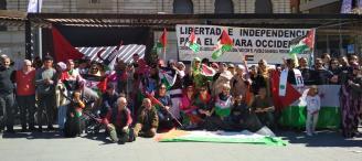 La delegación saharaui de Alicante ha organizado hoy una concentración para conmemorar el 43 aniversario de la RASD