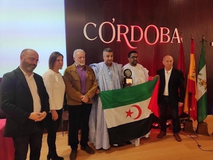 Equipe Media recuerda a los periodistas saharauis presos en la entrega del premio Julio Anguita Parrado   Periodistas en Español