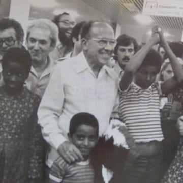 """Vacaciones en Paz: 40 años recibiendo a niños saharauis cada verano como """"símbolo político"""" – Cuartopoder"""