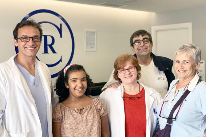 Un milagro llamado Zeinab. La colaboración de la Fundación Julián Vilás Ferrer permite salvar la vida de una niña saharaui aquejada de un grave quiste cerebral. – Grupo Policlínica