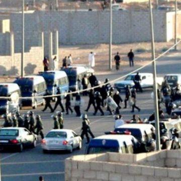 Sahara Occidental : les voitures de police marocaine écrasent les manifestants