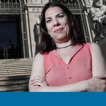 """Conchi Moya: """"El desierto encierra mucha vida y calma""""   Madrid   EL PAÍS – Por Fernando Íñiguez"""