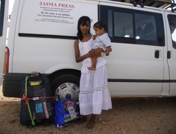 Tras 22 días bloqueados en un puerto argelino, las seis furgonetas saharauis de mensajería, ya están autorizadas para viajar a los campamentos saharauis