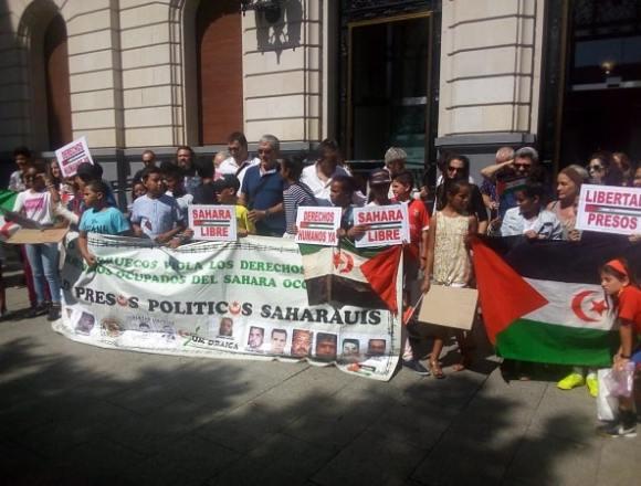 Vacaciones en Paz : Recepción en las Cortes de Aragón y concentración – Um Draiga
