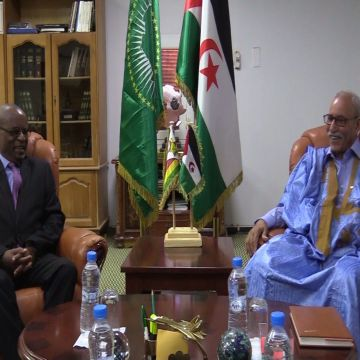 President of Republic bids farewell to the Ambassador of the Republic of Zimbabwe to the Sahrawi Republic after the end of his duties — Sahara Press Service