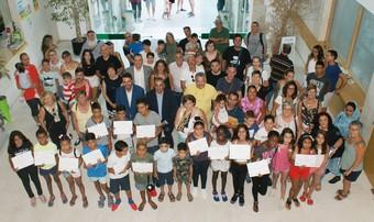 San Fernando de Henares brinda una emotiva despedida a los/as 15 niños/as saharauis que han pasado sus 'Vacaciones en Paz' con familias de acogida durante dos meses de verano