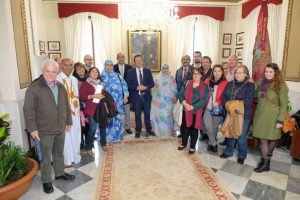 El Pleno del Ayuntamiento de Cádiz aprobó el pasado viernes, con la abstención del PP, la propuesta de adhesión del Ayuntamiento a la Federación Estatal de Instituciones Solidarias con el Pueblo Saharaui