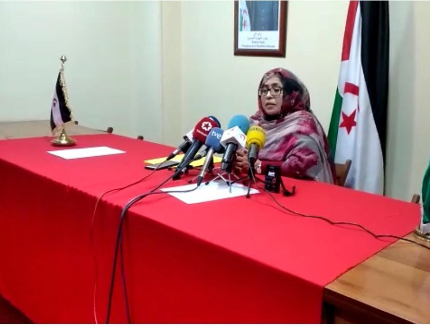 La delegada del Polisario en España afea a Exteriores que se enterase por los medios de la «sospechosa» alerta y ha acusado al Gobierno español de seguir el juego a las «tergiversaciones» de Marruecos