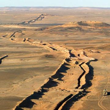 La campaña internacional contra el muro marroquí insta a la comunidad internacional a ejercer presión sobre Marruecos para obligarlo a eliminar el muro de ocupación | Sahara Press Service