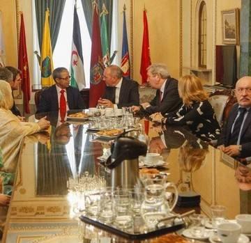 Diputación y Ayuntamiento de Vitoria transmiten su apoyo al pueblo saharaui. Noticias de Alava