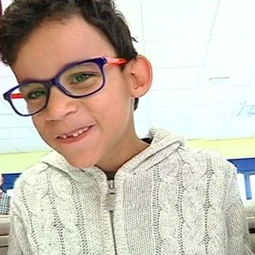 El niño que llegó ciego a Granada y vuelve viendo al Sahara – Canal Sur