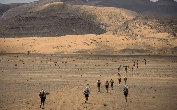 Tranquilidad entre el grupo de Castilla y León que visita los campamentos de refugiados saharauis pese a la alerta | El Norte de Castilla