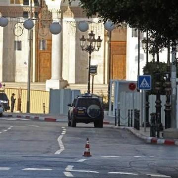 Argelia declara el toque de queda en el país por el coronavirus durante los días de Eid al-Fitr