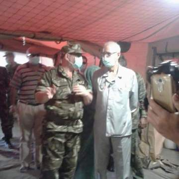 Fotos de la visita de Brahim Gali al nuevo hospital de campaña en Rabuni construido por el ejército de Argelia