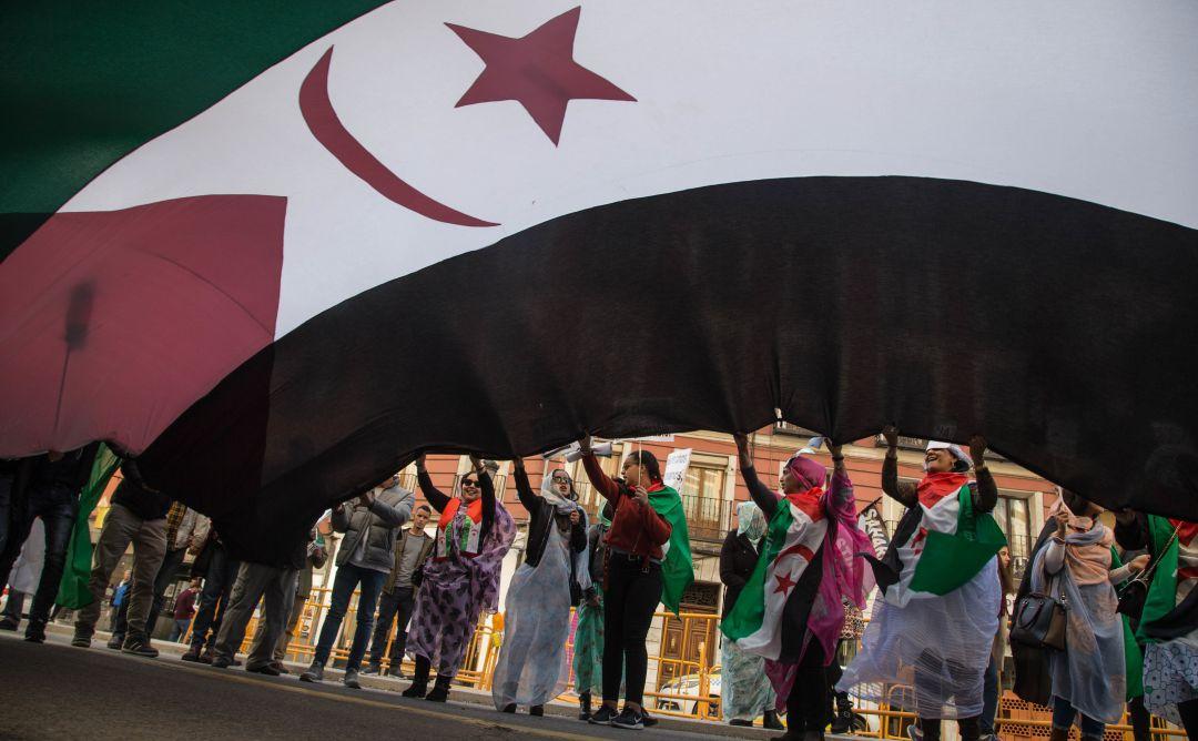 Manifestación de mujeres saharauis.