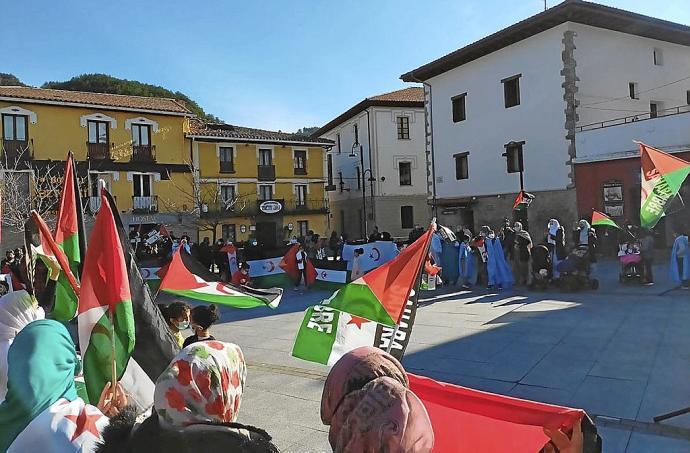Concentración por la libertad del pueblo saharaui en Aoiz– Diario de Navarra