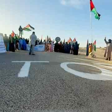 La sociedad civil saharaui organiza manifestación pacífica frente a la brecha ilegal en El Guergarat y en a varios lugares a lo largo del muro de la ocupación marroquí (+Fotos) | Sahara Press Service