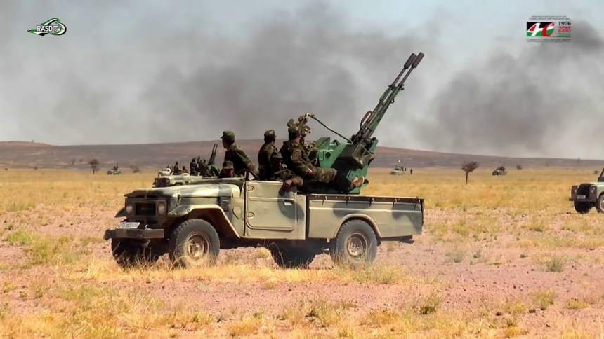 Continúa por 29 días consecutivos los ataques a las guarniciones y atrincheramientos de las fuerzas de ocupación en el muro militar marroquí | Sahara Press Service