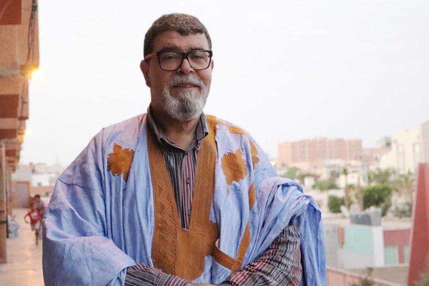 La policía marroquí retiene e interroga al activista saharaui Hmad Hammad en El Aaiún ocupado