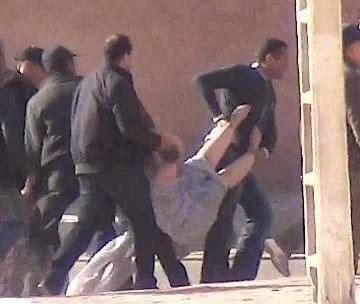 🔴Las fuerzas de ocupación marroquíes agreden a un grupo de 8 mujeres saharauis en Bojador ocupado.