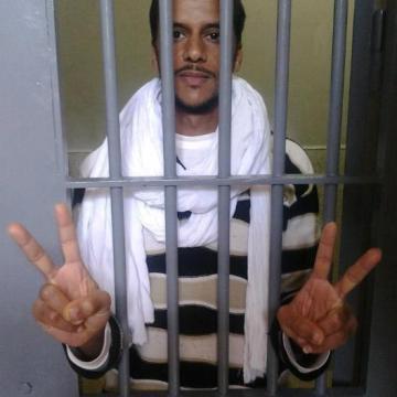 Un preso político saharaui en huelga de hambre sufre abandono y amenazas de muerte | Sahara Press Service
