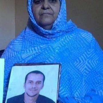 La madre del activista Mohamed Lamín Haddi entra en huelga de hambre de advertencia | Sahara Press Service