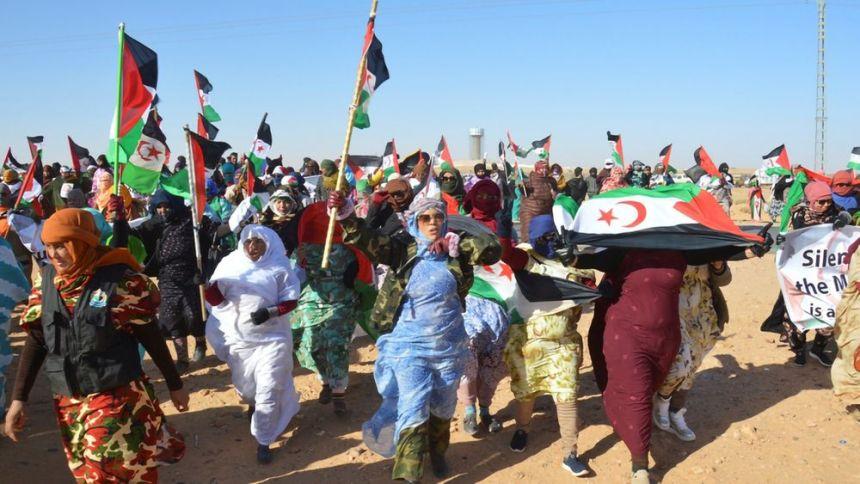 Activistas saharauis denuncian un aumento de la presión marroquí desde la ruptura del alto el fuego   Internacional   EL PAÍS