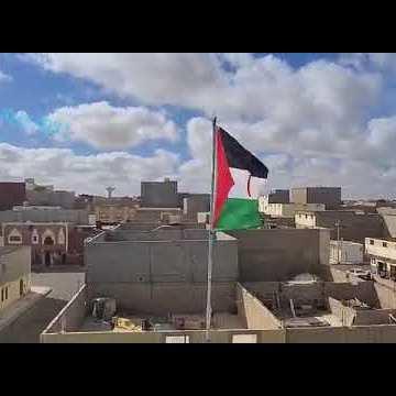Vídeo   La bandera de la República Saharaui ondea en la azotea de la casa de Sultana Jaya en los territorios ocupados