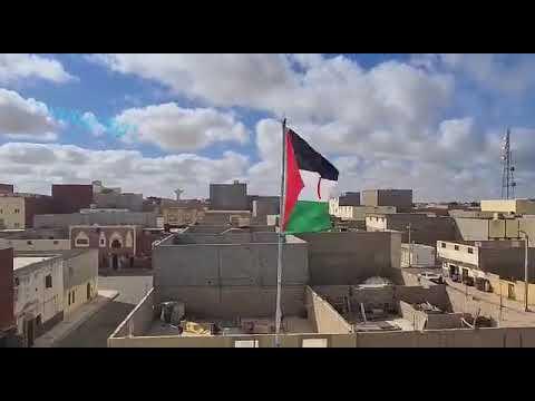 Vídeo | La bandera de la República Saharaui ondea en la azotea de la casa de Sultana Jaya en los territorios ocupados