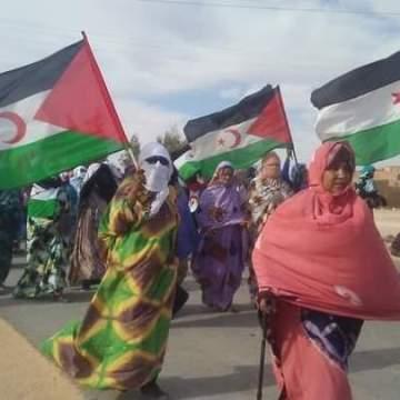 Las mujeres saharauis se manifiestan en los campamentos en solidaridad con Sultana Jaya y todas las mujeres saharauis en los TT.OO. del Sáhara Occidental