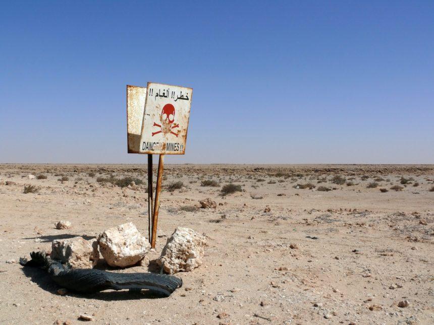 El polvorín de Marruecos, la debilidad de España y el campo de minas del Sáhara