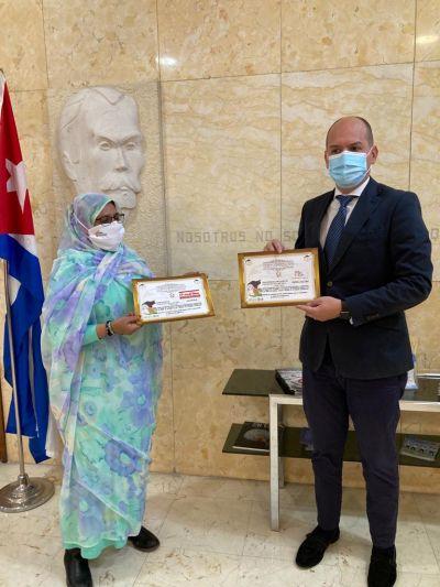 Cubainformacion – Artículo: Granma y Prensa Latina reciben reconocimiento de la prensa saharaui (+Fotos)