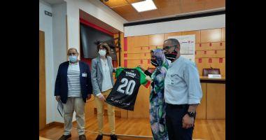 La selección de fútbol de Sahara Occidental disputará este sábado su primer partido de forma oficial, un encuentro amistoso frente al club A.D.C. Abetxuko