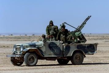 El Ejército saharaui centra sus cañones en el sector norte de Hauza y Marruecos levanta un hospital de campaña en Guelmim, extremo sur