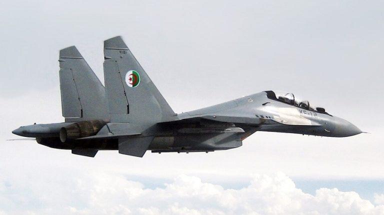 Argelia cierra su espacio aéreo a los aviones civiles y militares marroquíes