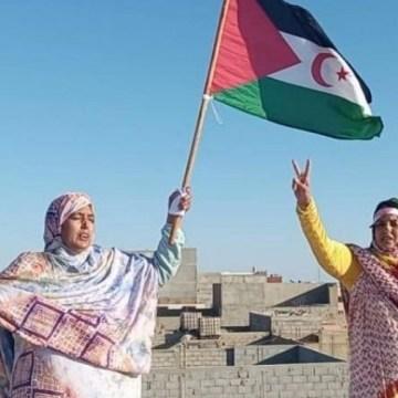 La izquierda europea propone a la activista saharaui Sultana Jaya para el premio Sajarov | Público