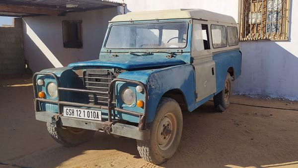 De cómo el Land Rover inspiró poesías saharauis   Público