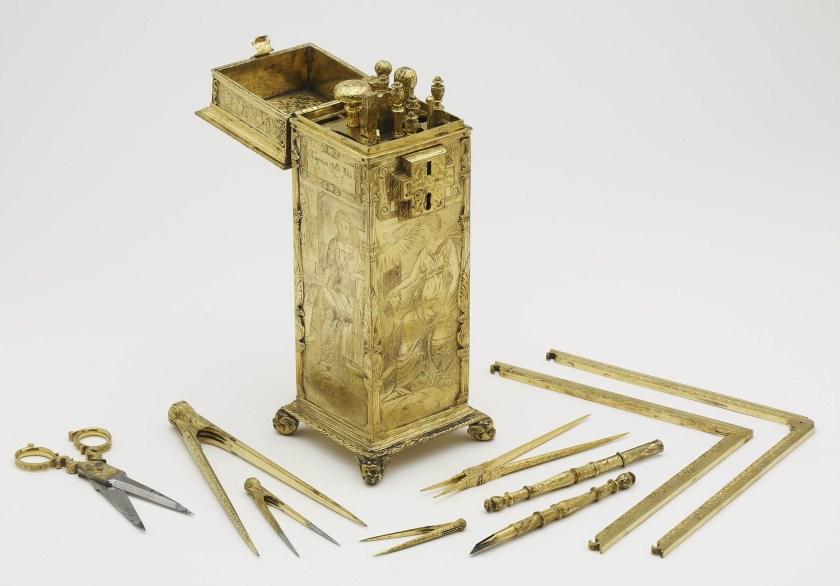 16th-century-compasses-BM-1344603001.jpg