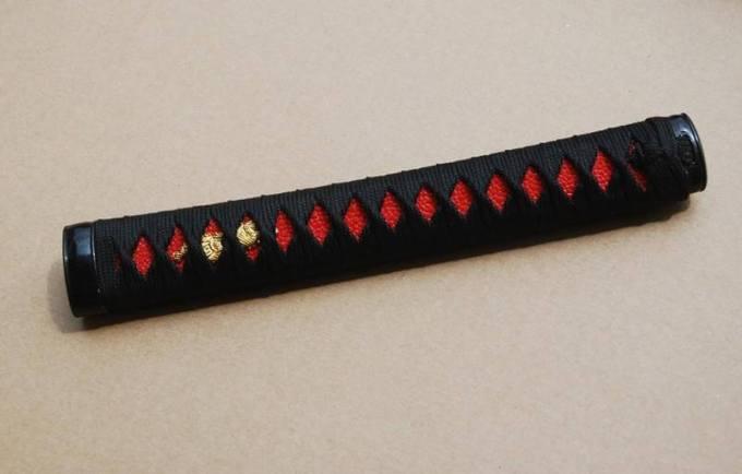 tsuka merukapan bagian dari katana pedang jepang