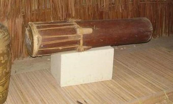 alat musik tradisional tuma