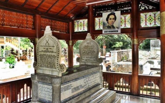 Makam Cut Nyak Dien yang berada di Sumedang